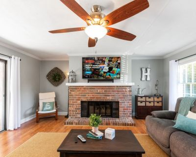 Smyrna 3 Bedroom Charmer Ideally Located! - Smyrna
