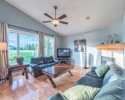 Huge Home for your group! Mins to Airport! - Hidden Valley