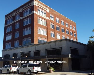 Updated Decor! Individual Offices & Suites Downtown Maryville