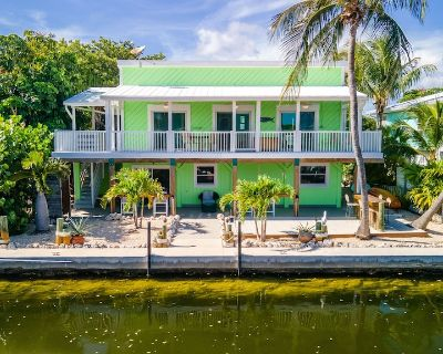 2 Bed/1bath Fully Furnished House on Canal With Ocean View. 28 Day Minimum - Cutthroat Harbor Estates