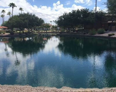 Relaxing THREE Bedroom Beautiful Condo. Overlooks Fountains And Greenery. - Superstition Lakes