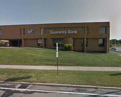 Former Retail Bank Building For Sale
