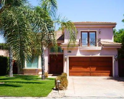 5 bedroom Spanish Style Home w/ Landscaped Back & Front Yard., Sherman Oaks, CA