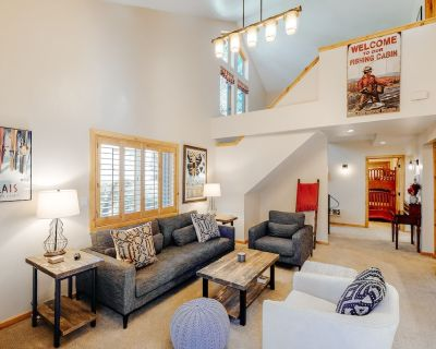 Spacious & Inviting Home Near Town & Slopes w/ Shared Pool/hot tub & Free Wifi - Elkhorn Village