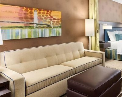 2-bedroom Suite at Home2 Suites by Hilton Omaha West, NE by Suiteness - West Omaha