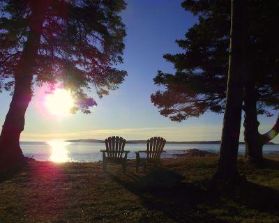 Oceanfront SEARENITY Cottage - Private Beach - Pristine Whole House Retreat - Jonesport