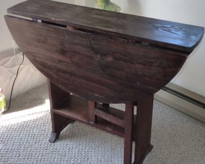 antique drop leaf kitchen or dining table (red oak) needs refinishing on top