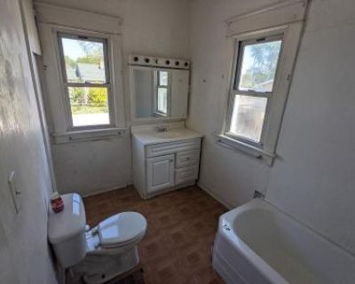 2 Bed 2 Bath Foreclosure Property in East Alton, IL 62024 - Bowman Ave