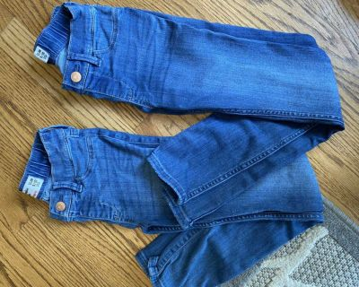 ABERCROMBIE kids Sz 9/10 slim pull on jean leggings. Great condition!! Both for $10