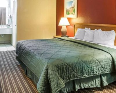 Suburban Extended Stay Hotel East - Canyon Acres