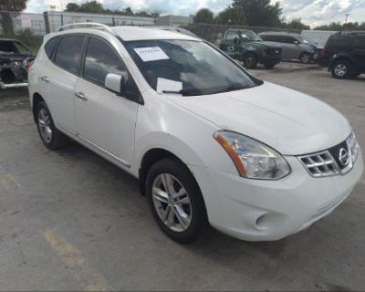 Salvage White 2013 Nissan Rogue