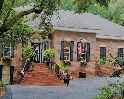 Absolutly Adorable Garden Cottage across from the Mobile Bay - Montrose