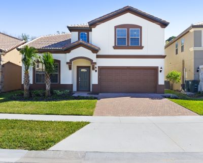 Dog-friendly home with private pool/spa, big game room and resort access! - Four Corners