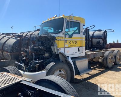 2009 (unverified) Kenworth T370 6x4 T/A Day Cab Truck Tractor