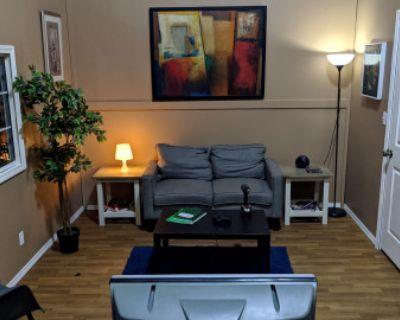 LIVING ROOM Home Apartment Hotel Motel Condo, Burbank, CA