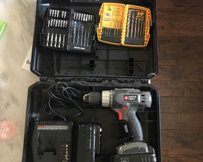 Porte Cable Power Drill and drill bits