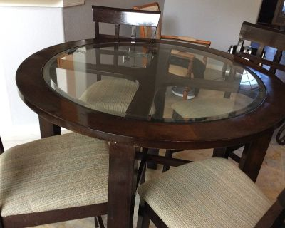 Solid wood height table and chairs