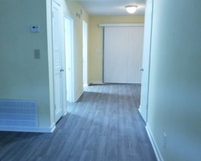 Room for rent in a 2 bedroom townhouse.