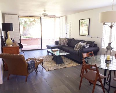 Enjoy a true desert oasis. Golf, tennis, clubhouse and pools in gated community - Rancho Mirage