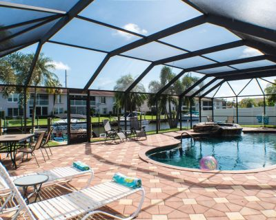 Pool, Spa, Canal, Dock, No Sec Dep, Yacht Club, Boat Available for Rent. - Caloosahatchee
