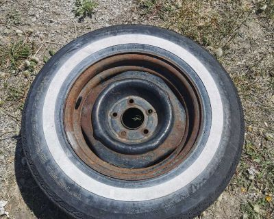 Original classic white wall Tire, still New and not weather cracked if you need to march to a classic car ,5x114.3 bolt pattern