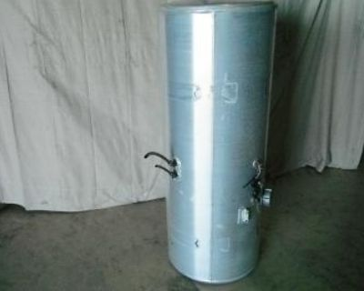 100 Gal Fuel Tank Of A Freightliner (driver Side)