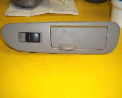 05-07 Toyota Sequoia Right Passenger Rear Door Power Window Switch & Ash Tray