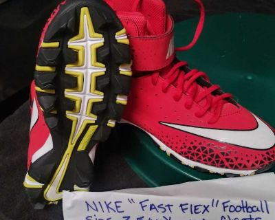 Never worn nike 3.5 youth football cleats