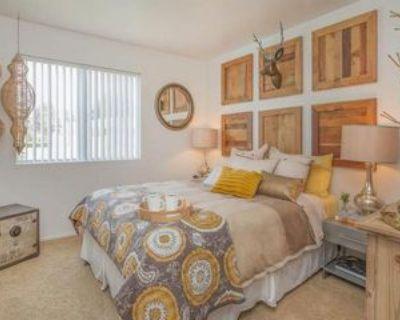 8200 N Laurelglen Blvd, Bakersfield, CA 93311 2 Bedroom Apartment