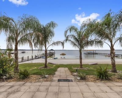 Cozy Lake Front Cottage on Lake Weir with oversized white sandy beach! - Ocklawaha