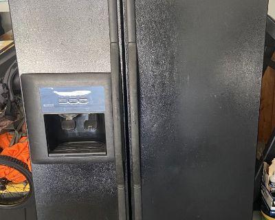 FS/FT Kenmore Double door refrigerator