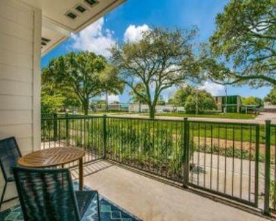 3902 Dacoma St, Houston, TX 77092 2 Bedroom Apartment