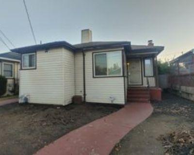 7533 Deerwood Ave #1, Oakland, CA 94605 3 Bedroom Apartment