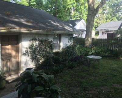 2BR house near downtown and UL. Charming Street! - Downtown Lafayette