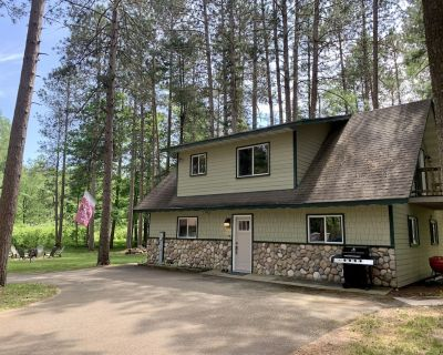 Home On Bike/Snowmobile Trail Near Chain of Lakes and Town! - Manitowish Waters