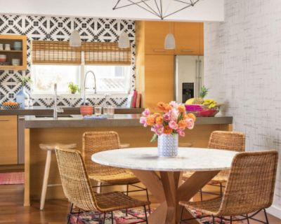 Light and Bright Kitchen Living and Outdoor space., Los Angeles, CA