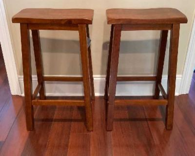 New Set of Two Powell Furniture Bar Height Bar Stools