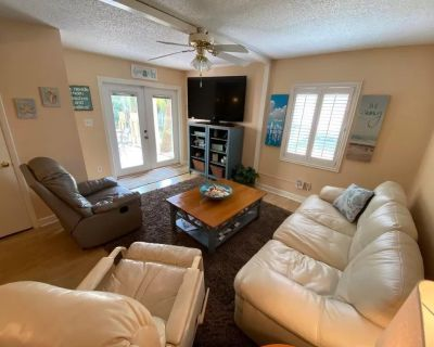 2-Bed Condo Just Steps from the Sand! - West Panama City Beach