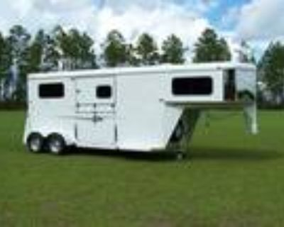 2020 Bee Trailers Thoroughbred Classic 2 Horse Gooseneck