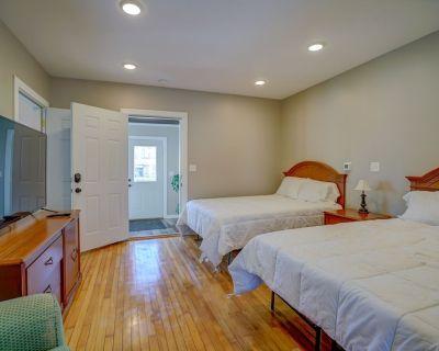 Baehr Haus Downtown Sun Prairie (Room 2&3) - Sun Prairie