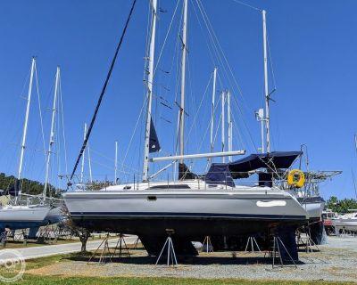 2011 35' Catalina 355