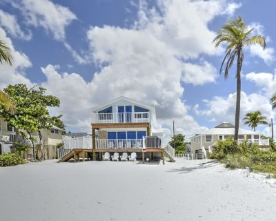 All New! Looking for a true beach cottage DIRECTLY on the beach? 6 beds, 4 bath - Fort Myers Beach
