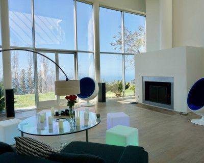Mountain Top Malibu House for Company Retreats, Off-Site & Therapy Sessions, Los Angeles, CA