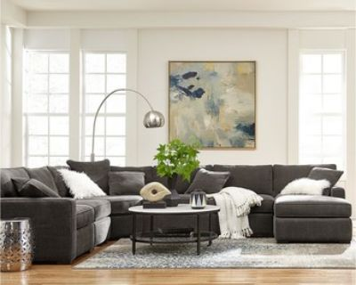 Beautiful Macy's Sectional Sofa/Couch