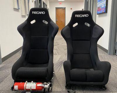RECARO PROFI SPA CARBON KEVLAR SEAT & RECARO PROFI SPG BLK SEAT BUNDLE