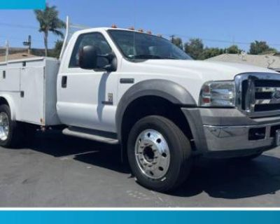 2005 Ford Super Duty F-550 Chassis Cab XL