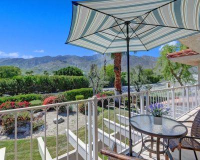 2 Bedroom /2 Bath w / new kitchen- Amazing Mountain Views! Location,Location,Loc - Palm Springs
