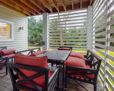 Sea Colony Tennis house w/ gym, private gas grill, free WiFi, and pool - Bethany Beach
