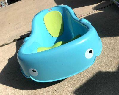 Fisher Price Whale Baby Bathtub