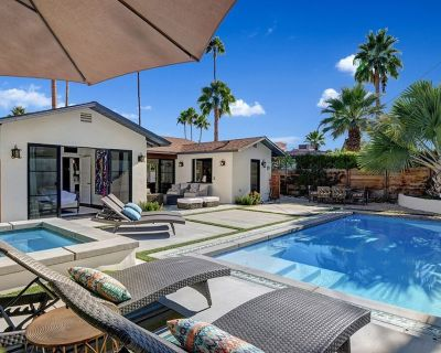 Chic 2-Bedroom Bungalow walking distance to downtown Palm Springs - Warm Sands